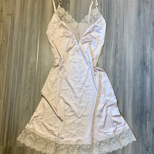 Vintage: Blush Slip with Lace Detailing